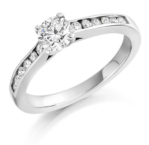 Round Brilliant Cut Engagement Ring with shoulder