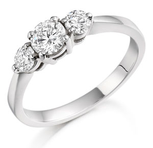 Diamond ring in platinum, wedfit ring