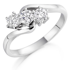 Elegant Diamond Ring in Platinum